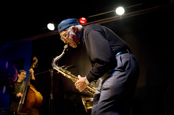 Fred Anderson the day before his 80th birthday, in March 2009, with Tatsu Aoki on bass