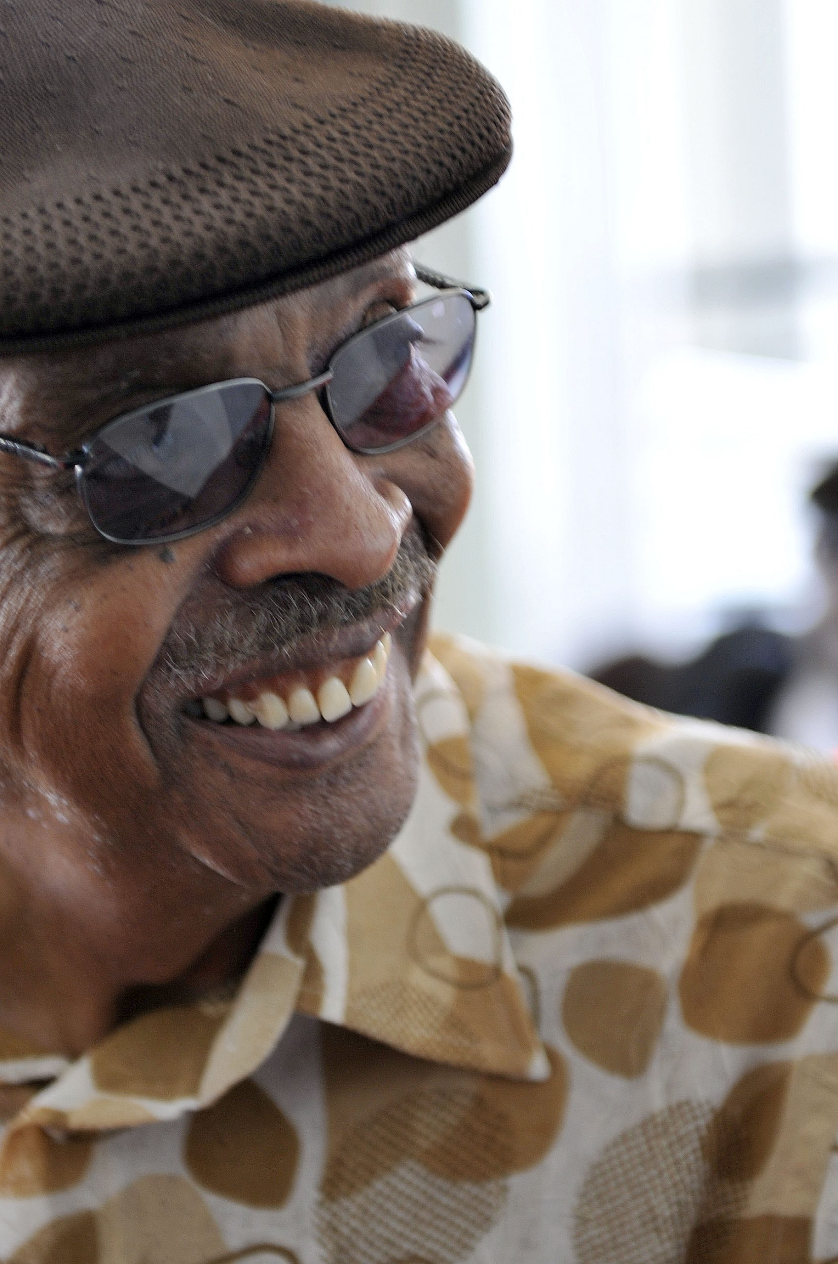 Herb Kent in 2009, outside the Harold Washington Library before the broadcast of Michael Jackson's memorial