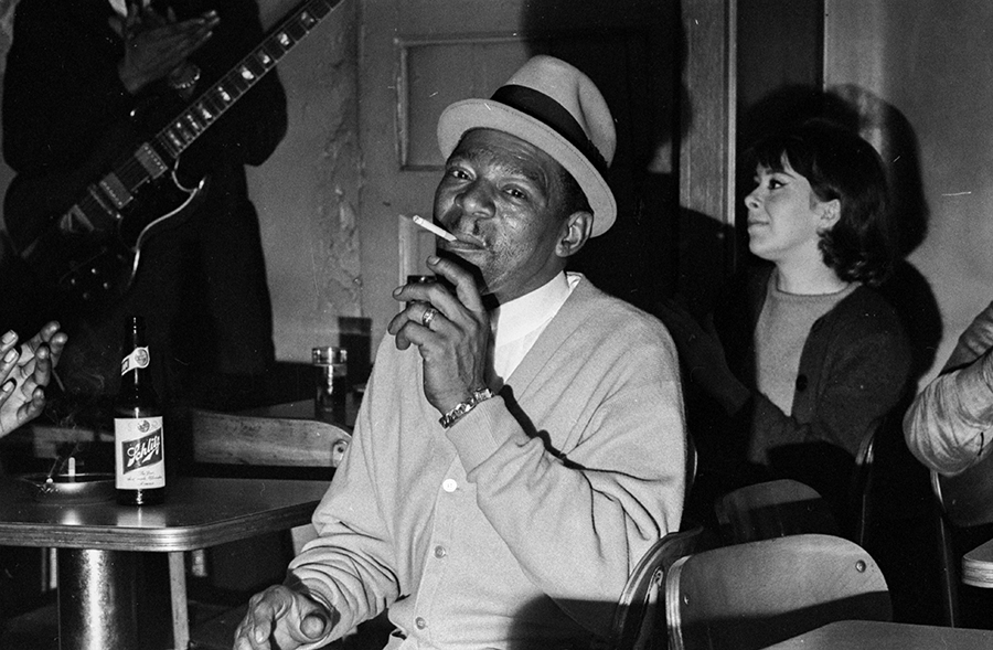 Little Walter at Theresa's Lounge in October 1965