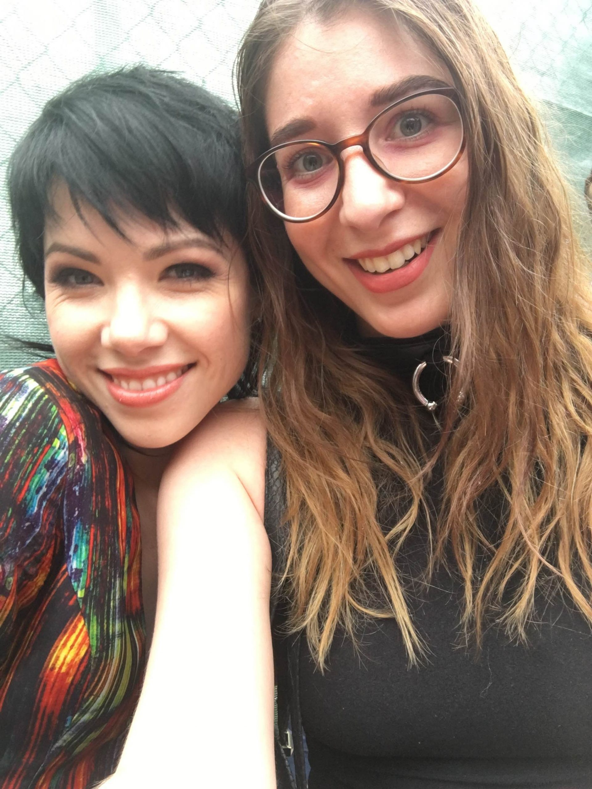 Carly Rae Jepsen poses for a selfie with <i>Reader</i> contributor Meagan Fredette.