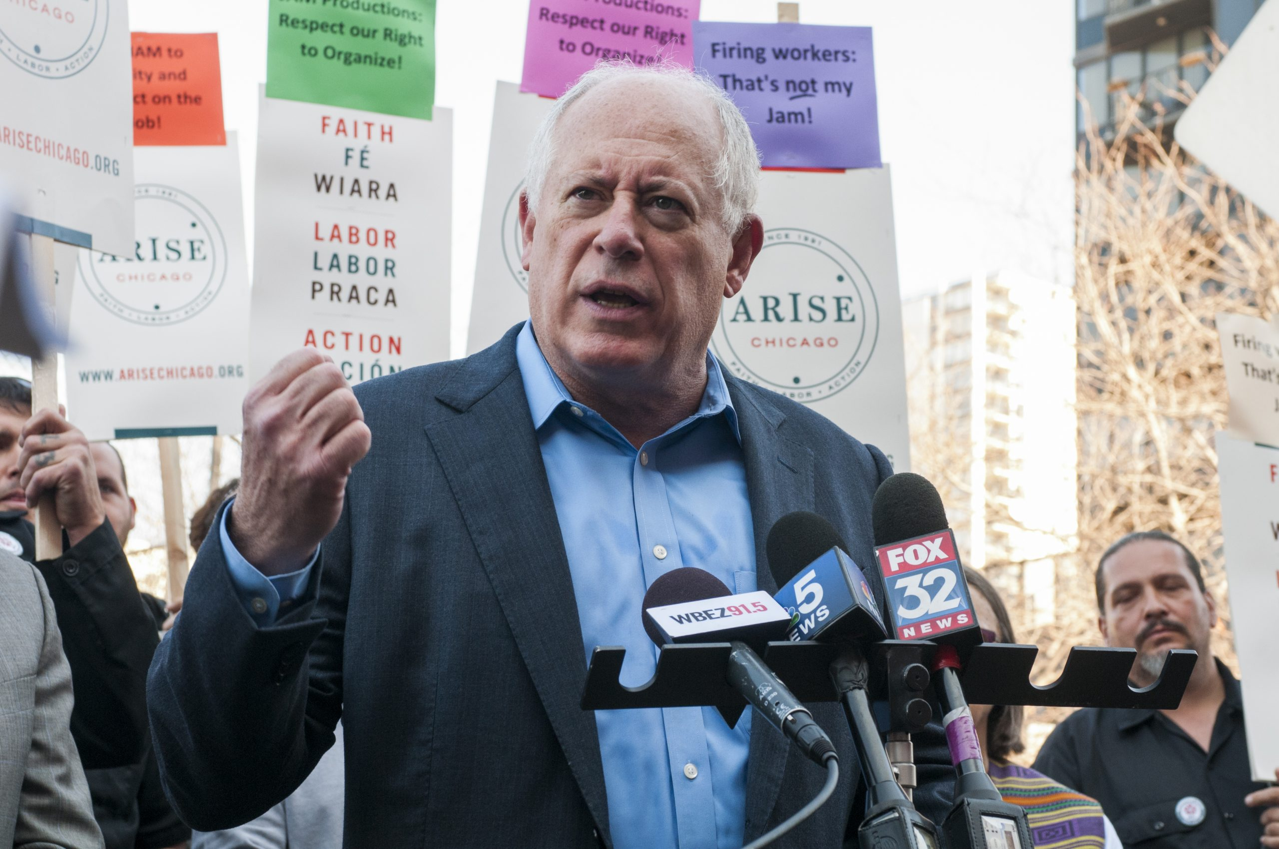 """Former governor Pat Quinn spoke to support the stagehands' union drive: """"The right to organize is fundamental in a democracy."""""""