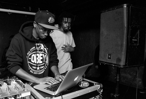 DJ Avery76 (with laptop)