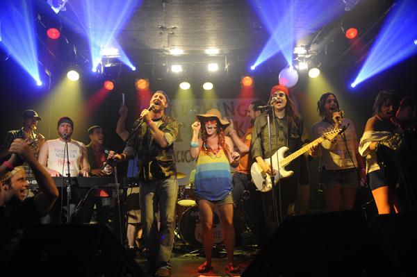 Nashville leads last year's end-of-fest jam session.