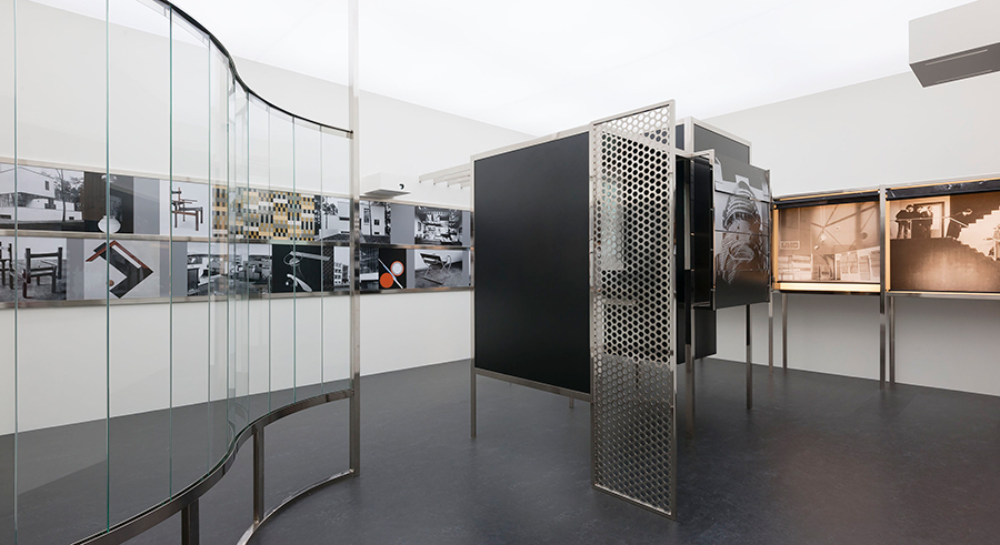 <i>Raum der Gegenwart (Room of the Present)</i>