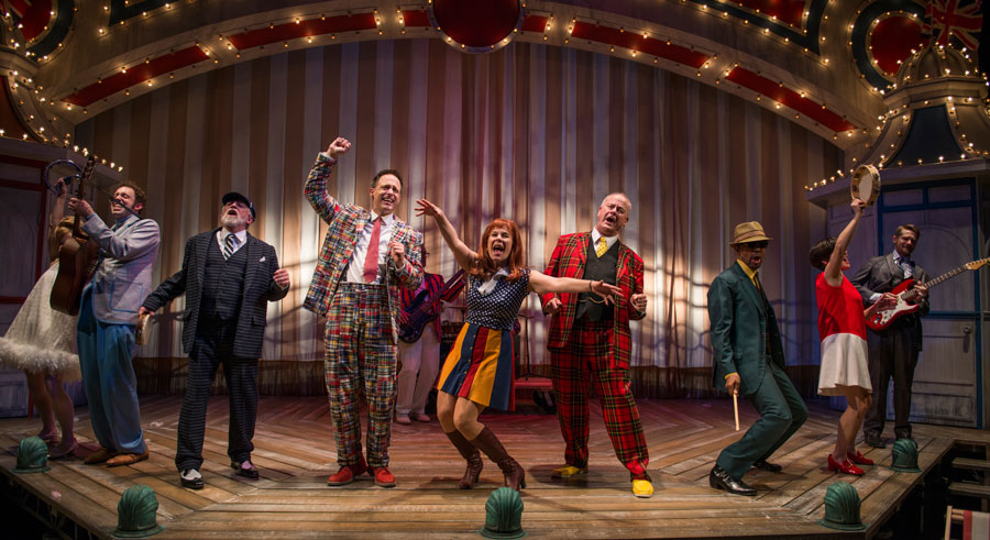 Court Theatre's <i>One Man, Two Guvnors</i>