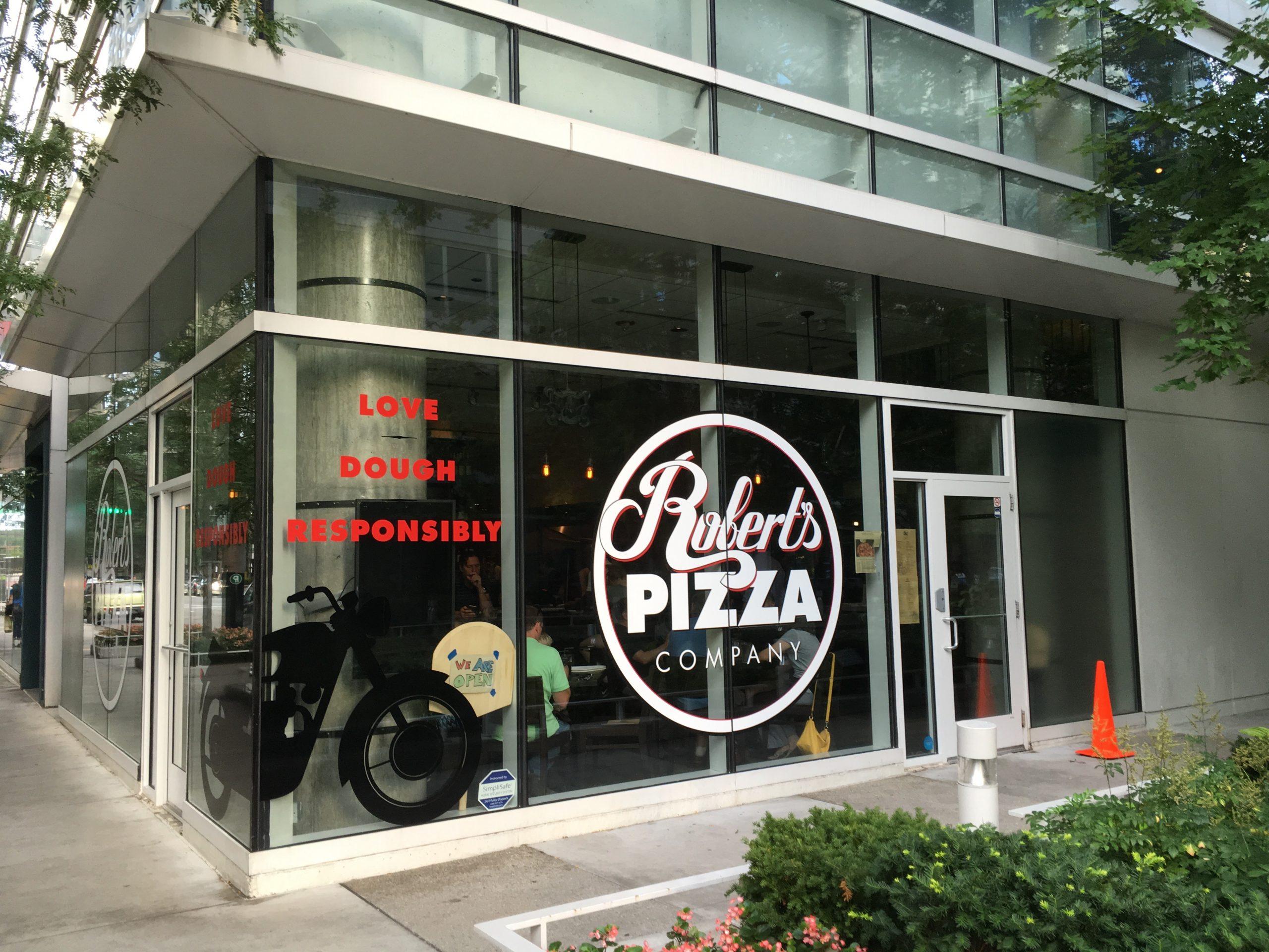 Robert's Pizza Company, Streeterville