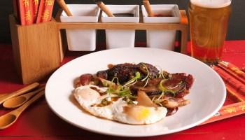 <em>Op la</em>, Vietnamese bacon and eggs, at Saigon Sisters
