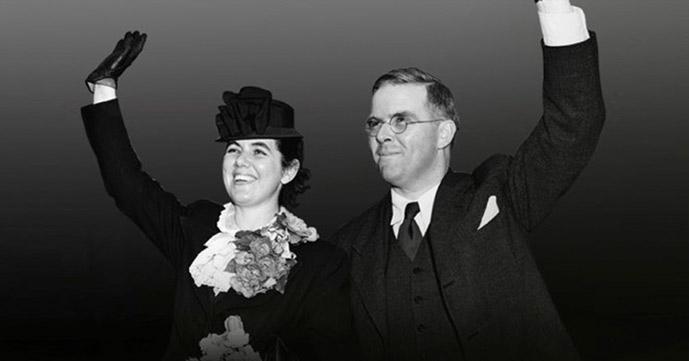 <em>Defying the Nazis: The Sharps War</em>
