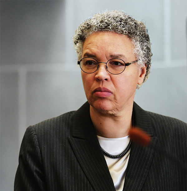 Polls suggest that Cook County board President Toni Preckwinkle could topple Mayor Rahm Emanuel, but she'd need to raise some serious money first.
