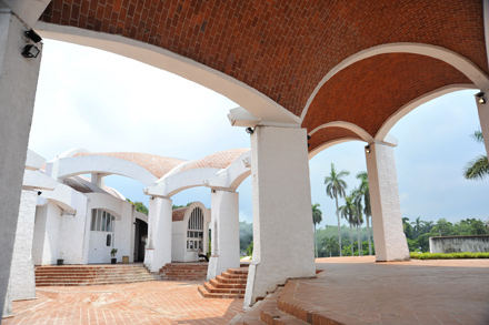 Unfinished Spaces: A beautiful building done in by communist bureaucrats