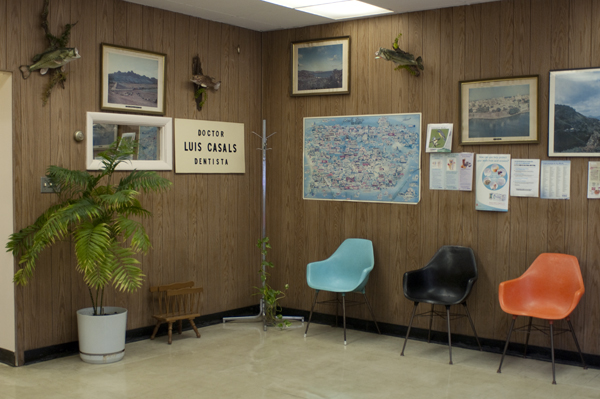 The office of dentist Luis Casals is straight out of the 60s.