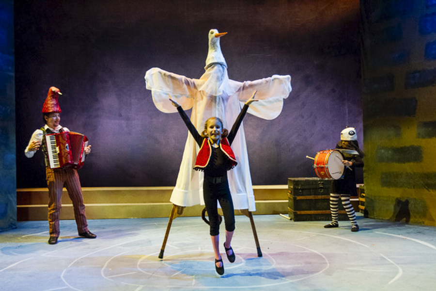Chicago Children's Theatre's <i>The Year I Didn't Go to School: A Homemade Circus</i>