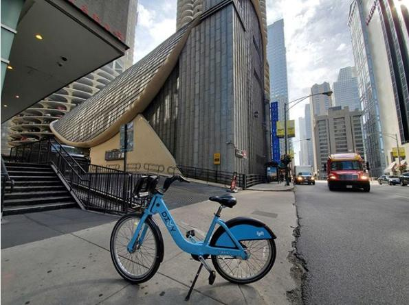 Divvy bike sharing in dunning chicago