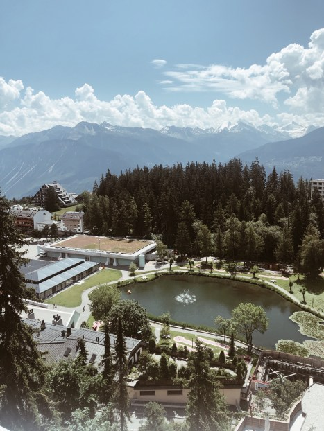 Hôtel Le Crans-Ambassador, la vue depuis la chambre