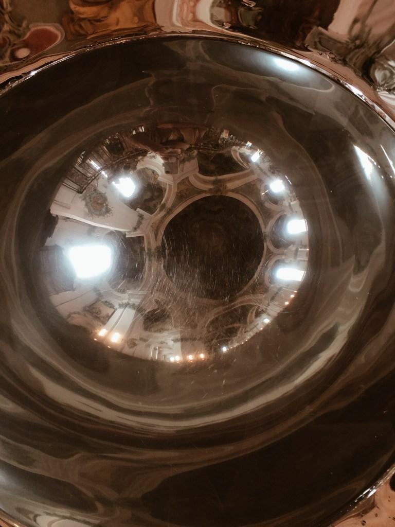 l'oeil d'eau bénite de la Cathédrale de Saint-Gall