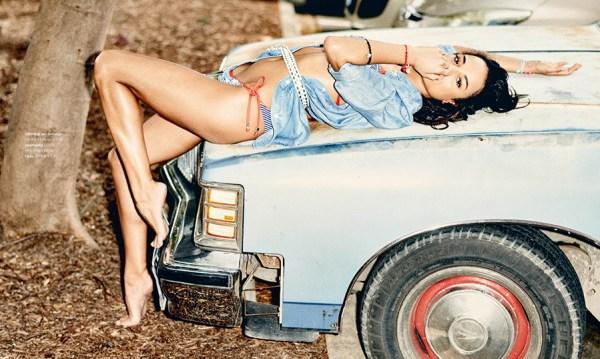 Chloe on an old-timer car for LINDA.magazine