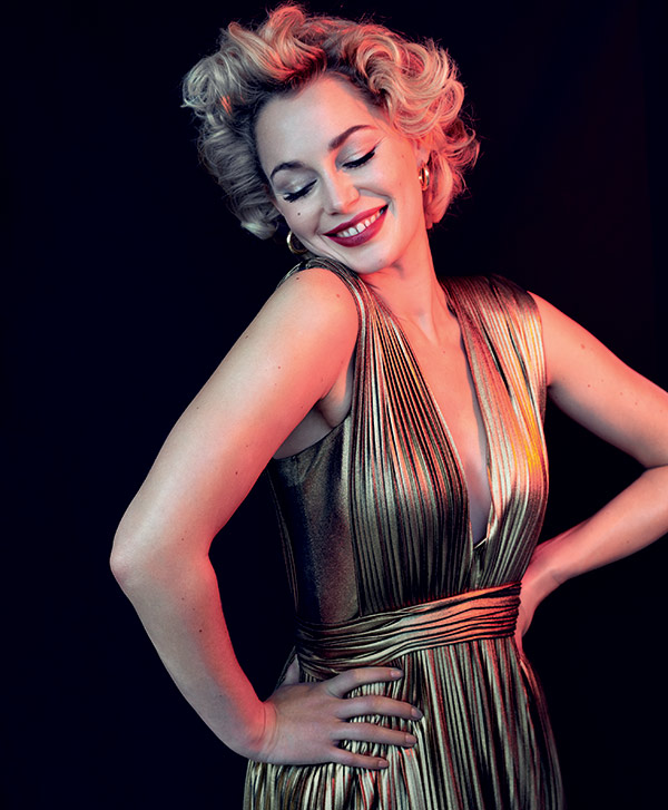 Golden dress Marilyn Monroe
