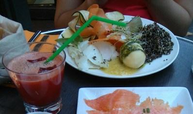 L'assiette de poisson + jus frais