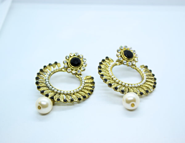 Black & White Drop Earring