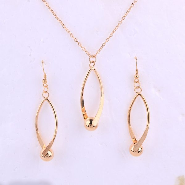 Hollow Choker Necklace