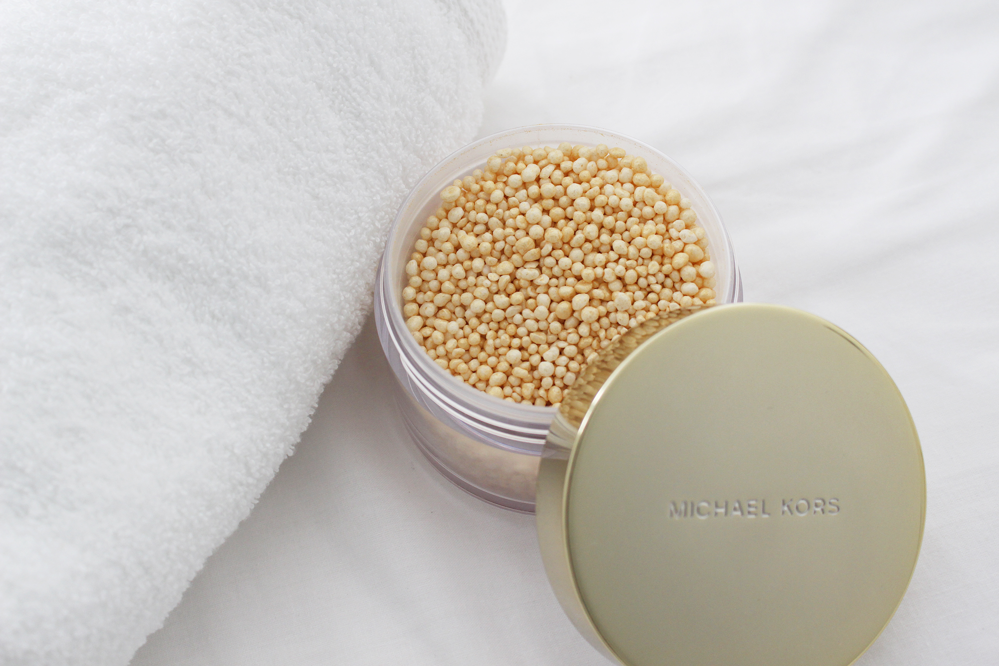 michael-kors-luster-bath-beads