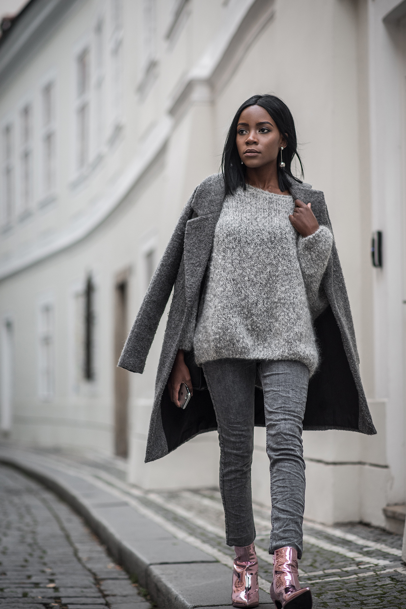 all-grey-outfit