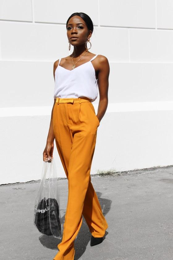 adding-color-to-minimalist-wardrobe