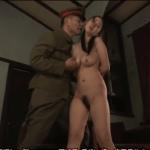 日本軍の兵士に寝取られレイプされる爆乳人妻の昭和エロス