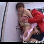 いやらしい巨乳エロボディのせいでしょっちゅうレイプされる麻美ゆまさんが今回は公衆トイレで襲われる