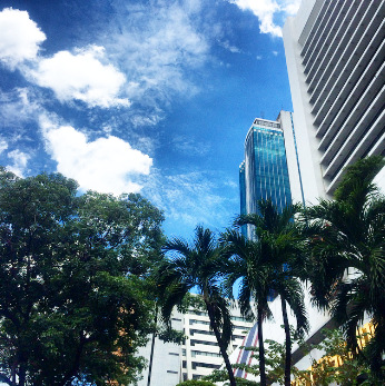 Blue sky above Silom road