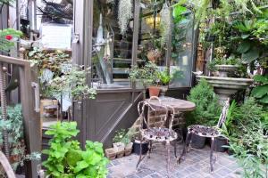 b-story-cafe-bangkok-lush