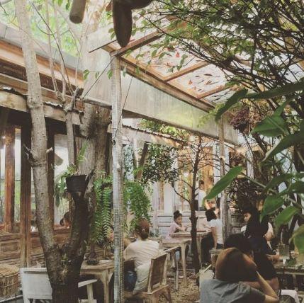 wood-cafe-bangkok-12