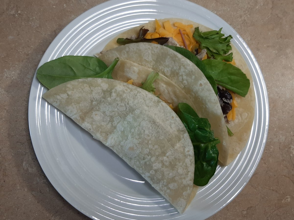 easy chicken tacos w/greens and cheese