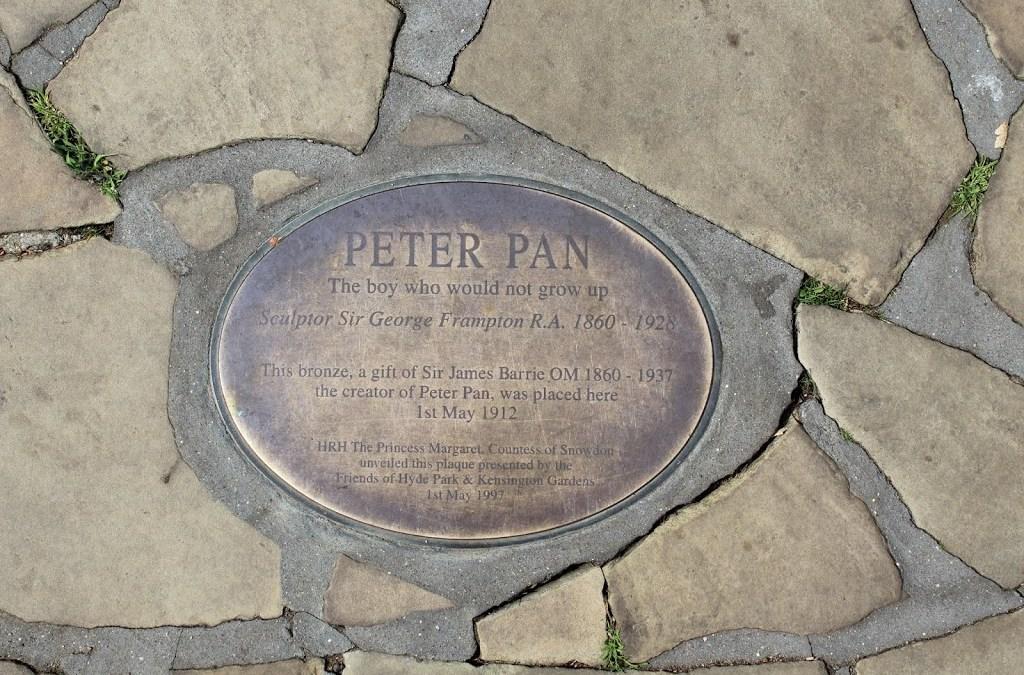 La estatua de Peter Pan (Londres)