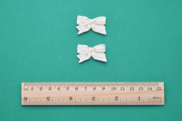 Ruffled Ribbon Bow x 2 Resin Moulding