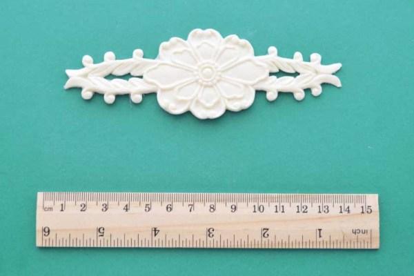 Flower Fern Centrepiece Moulding