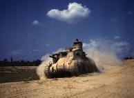 M3 tanque médio em exercício, Fort Knox, Kentucky, Estados Unidos, junho 1942