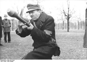 Berlin; Volkssturm, Ausbildung