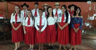 Alunos da Escola Campos Sales apresentam projeto e recebem elogios