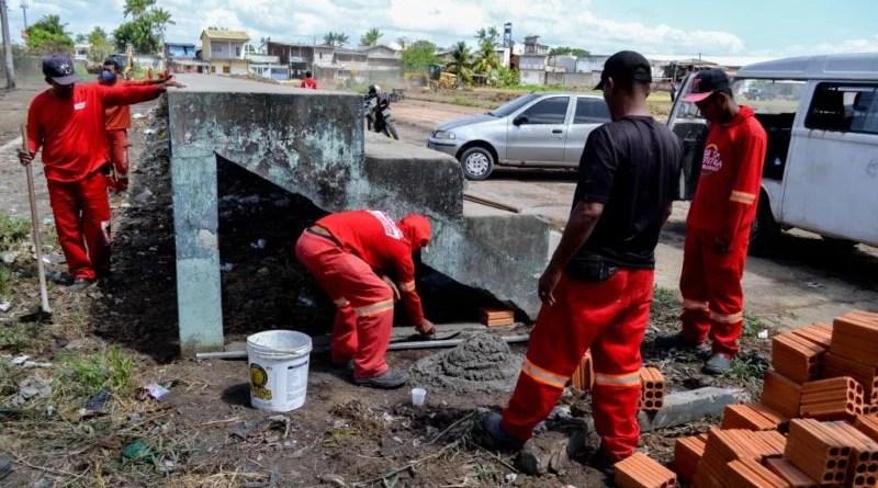 Prefeitura faz intervenção em arquibancada e encaminha população em situação de rua a abrigos e comunidades terapêuticas