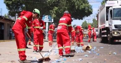Prefeitura de Macapá faz limpeza após passagem da procissão do Círio 2018