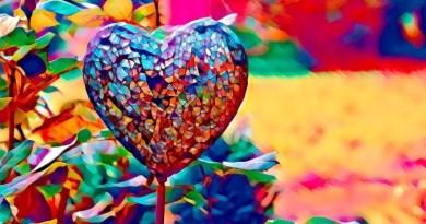 Momento Espírita: O mais expressivo colorido do amor