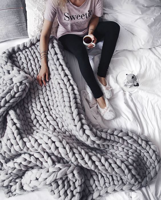 The Ultimate Guide To Buying A Chunky Knit Blanket - Where To Find The Best Chunky Knit Blankets | Grey chunky throw, grey chunky knit blanket