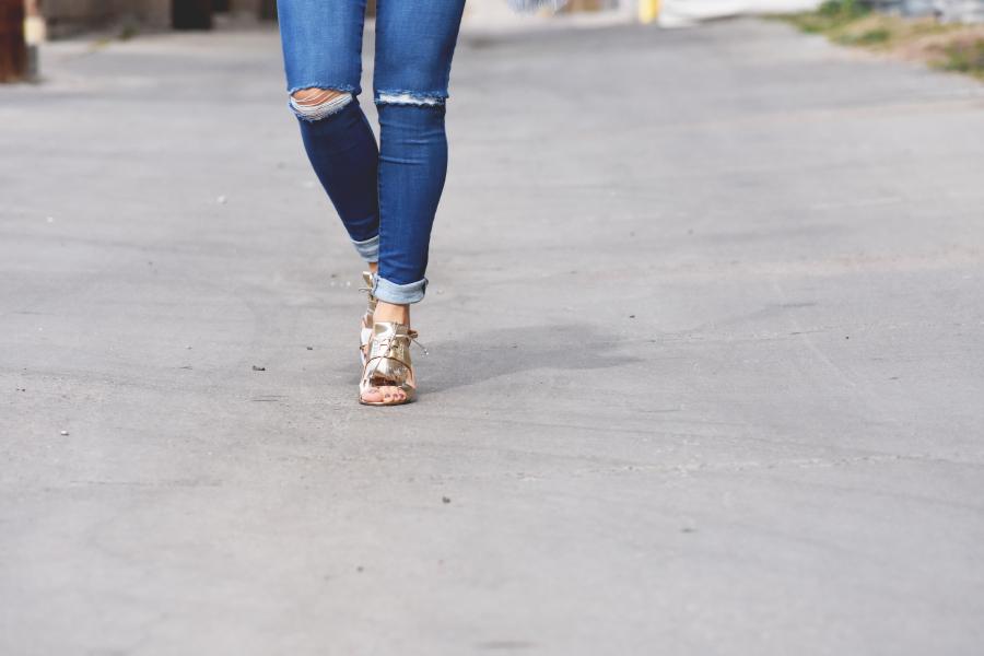 Banana Republic Gold fringe sandals