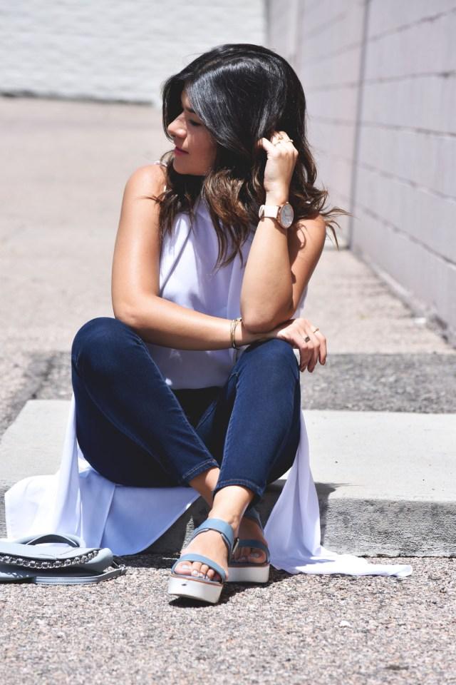 Carolina Hellal of Chic Talk wearing skechers sandals