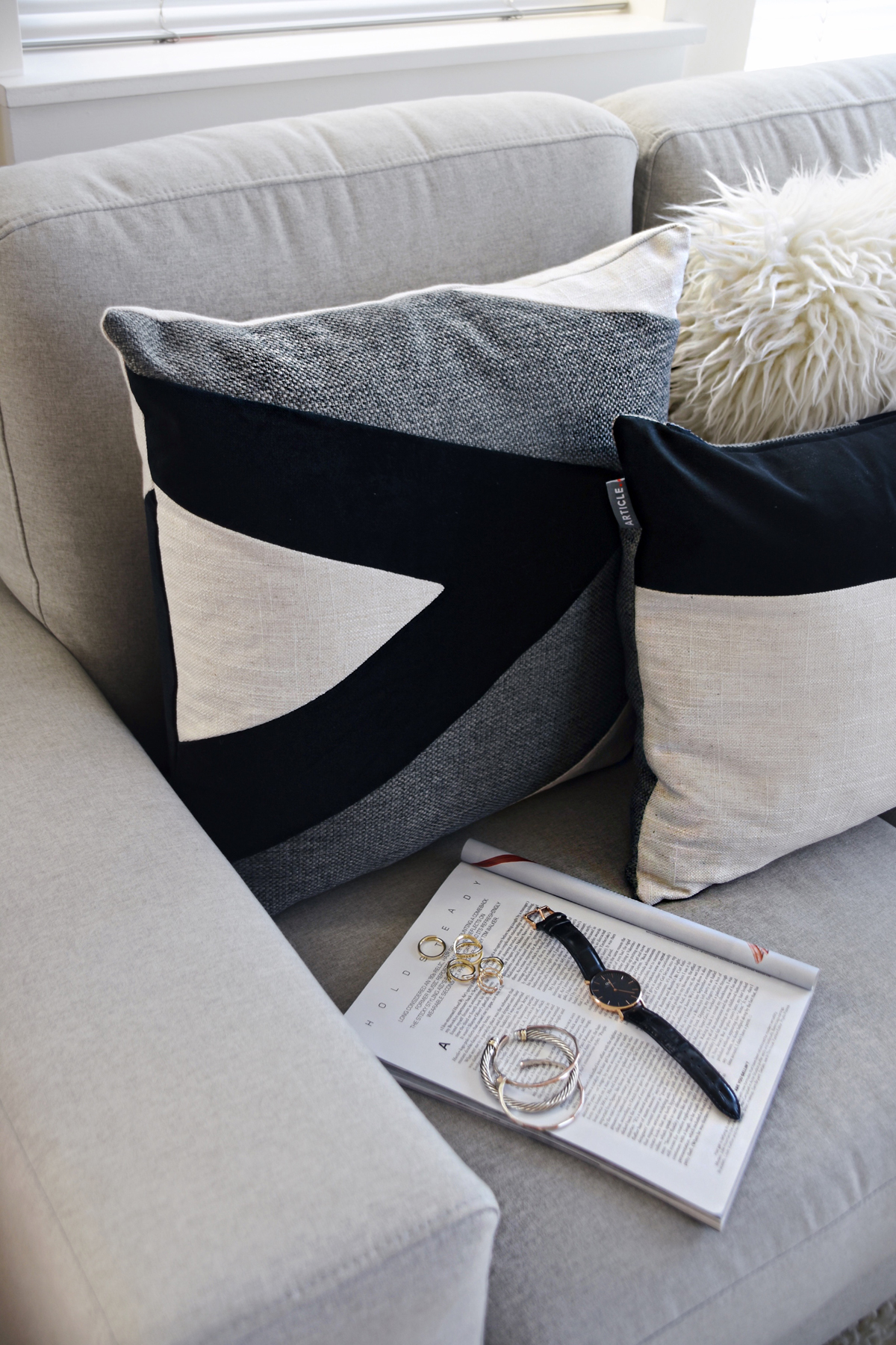 Article Velu pillow collection