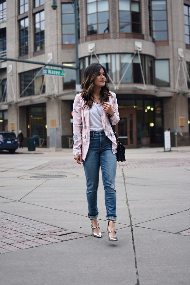 Carolina Hellal wearing NYJD skinny jeans, Bar III floral blazer, Rebecca Minkoff black bag, Marc Fisher silver pumps and Free people white tank
