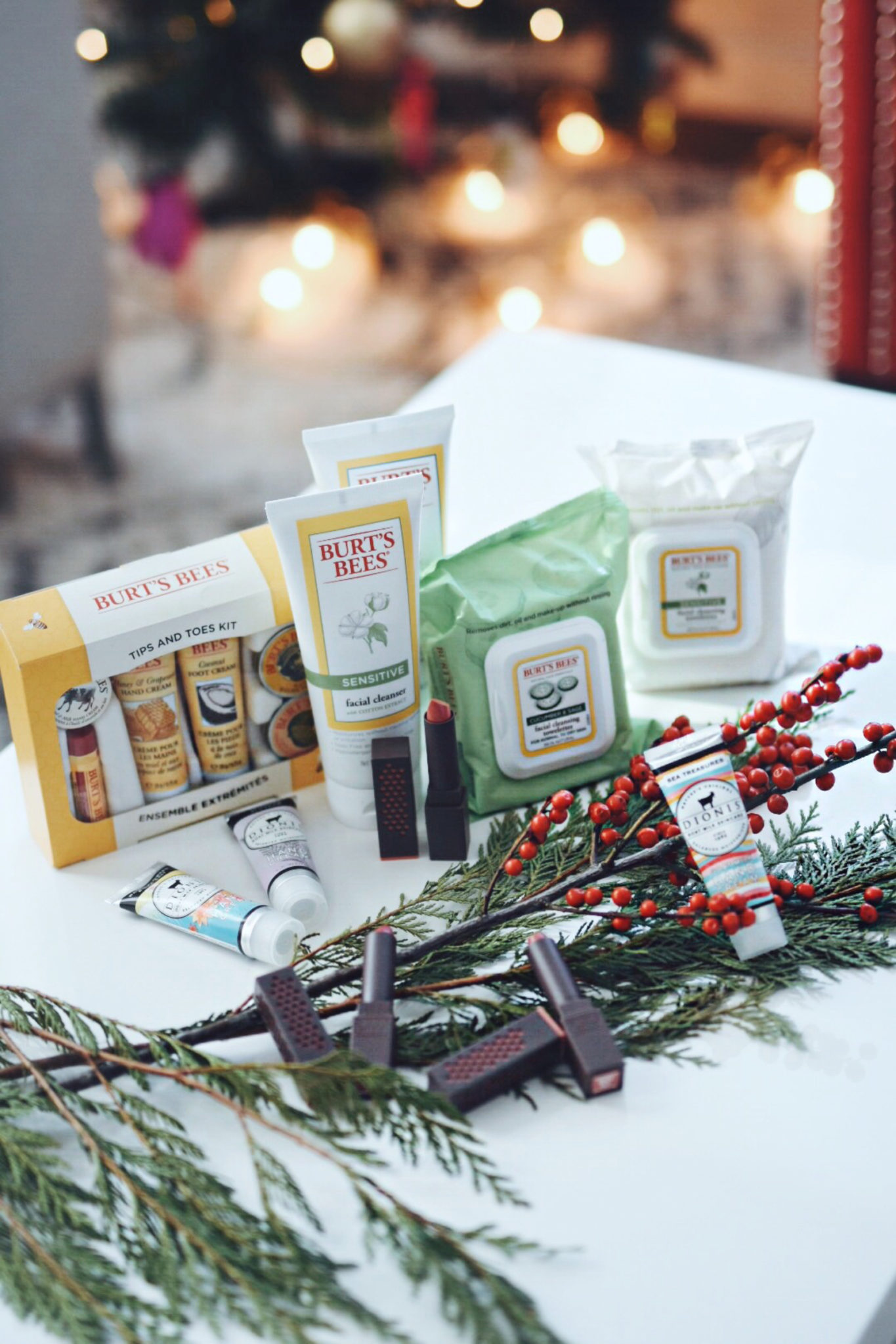 HOLIDAY GIFTS FOR MOM VIA CRACKER BARREL OLD COUNTRY STORE