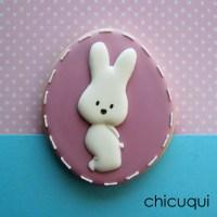 Unos huevos de Pascua en galletas decoradas