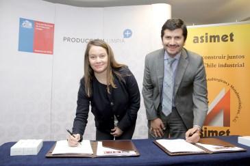 Jimena Jara, subsecretaria de Energía, y Juan Ladrón de Guevara, director ejecutivo del Consejo Nacional de Producción Limpia